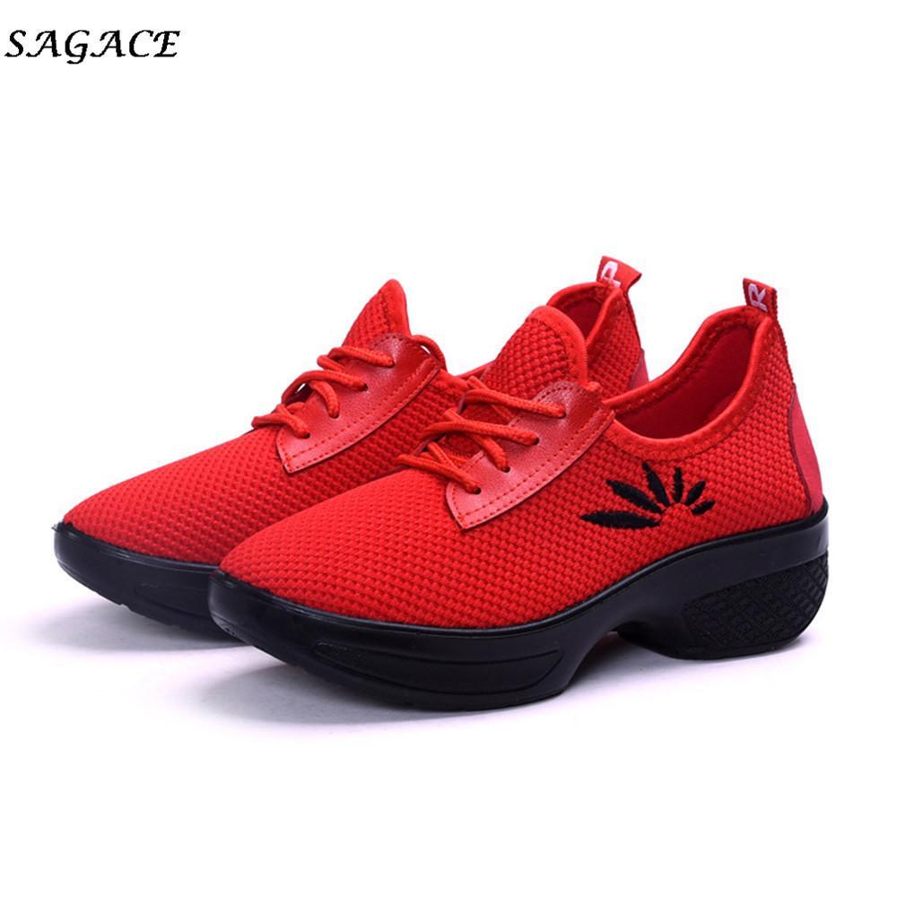 2b60f337 Compre Diseñador De Zapatos De Vestir CAGACE 2019 Nuevas Mujeres  Entrenadores Transpirable Deporte Mujer Caminar Al Aire Libre Casual Feminino  Zapatillas ...