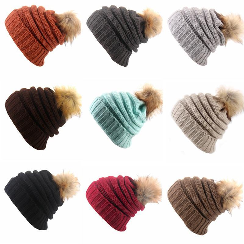 8e0754b10a Compre Sombrero Coreano Beanie Hat Fur Ball Cap Pompon Sombreros De  Invierno Para Mujeres Hombres Otoño Bonnet Chica De Punto Gorros Gorros  Femeninos ...