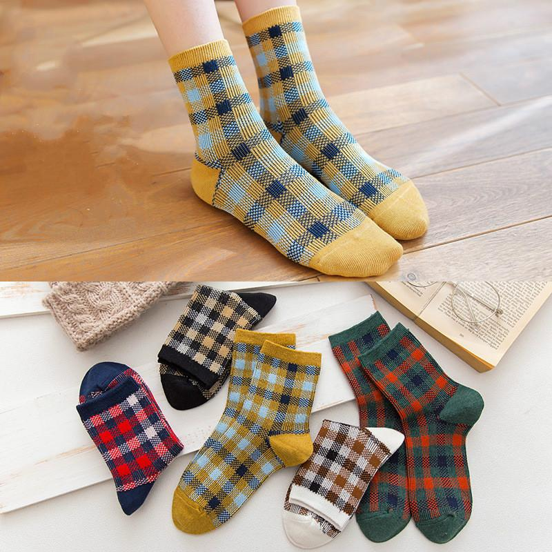 b6bf736b24d 2019 100% Cotton Mens Socks Street Plaid Style Luxury Vintage New Fashion  Designer Socks Casual Long Socks For Man With Original Box From Blueseller
