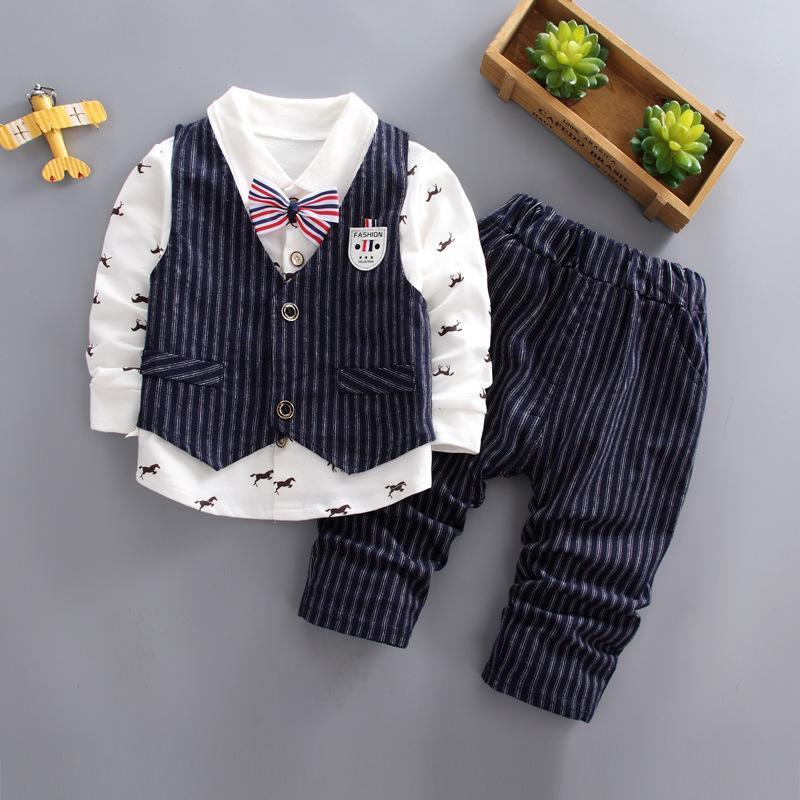Acquista Buona Qulaity 2019 Moda Bambini Vestiti Di Cotone Autunno Ragazzi  Che Coprono Insieme 3 Pezzi Gentleman T Shirt + Vest + Pantaloni Vestiti  Bambini ... 0f7945d0657