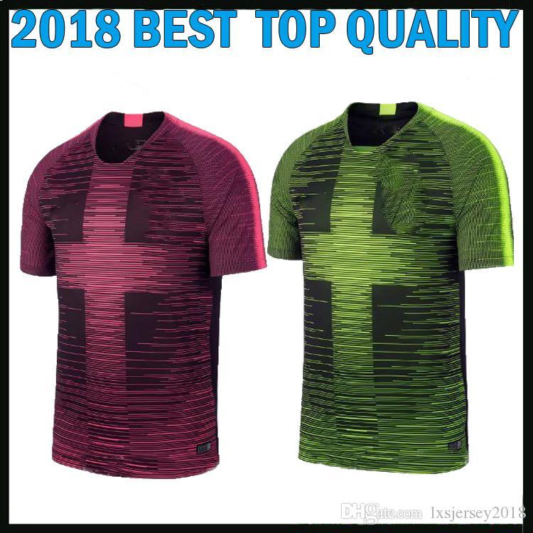 Caliente Nuevo 2019 Inglaterra Ropa De Entrenamiento Camiseta De Fútbol  Púrpura 2020 Kane Dele RASHFORD STERLING 18 19 20 PINK Luz Verde Voltio  Acentos ... f2c56bca444a4