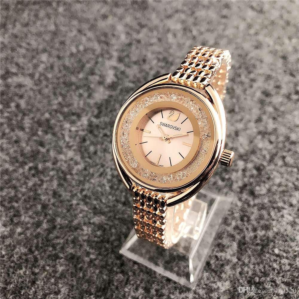 831c122e7e8 Compre 2019 Nova Moda Top Marca De Luxo Relógio Das Mulheres Rosa De Ouro  Strass Prata Senhoras Relógio Das Senhoras Relógio De Quartzo De Ouro  Relogio ...