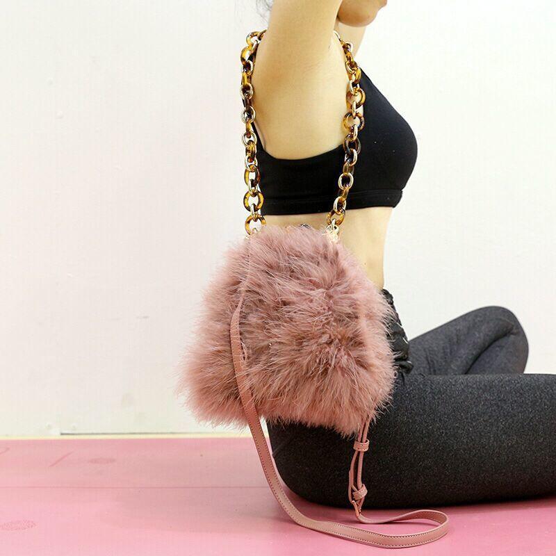a5dbb5d653 2019 Winter   Autumn Luxury Real Fur Women Ostrich Fur Bag Female Fur  Shoulder Bag Chain Handbag Women S Evenning Bag 251 Messenger Bags  Crossbody Bags From ...