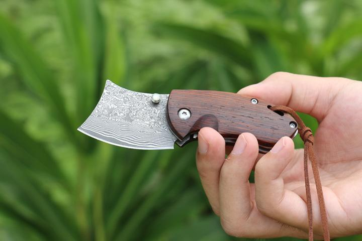 Free DHL Hunting Knife Small VG10 Damascus Razor Folding Knife Rosewood Handle Survival Utility Tactical Pocket Knives EDC Tools P206Q Y