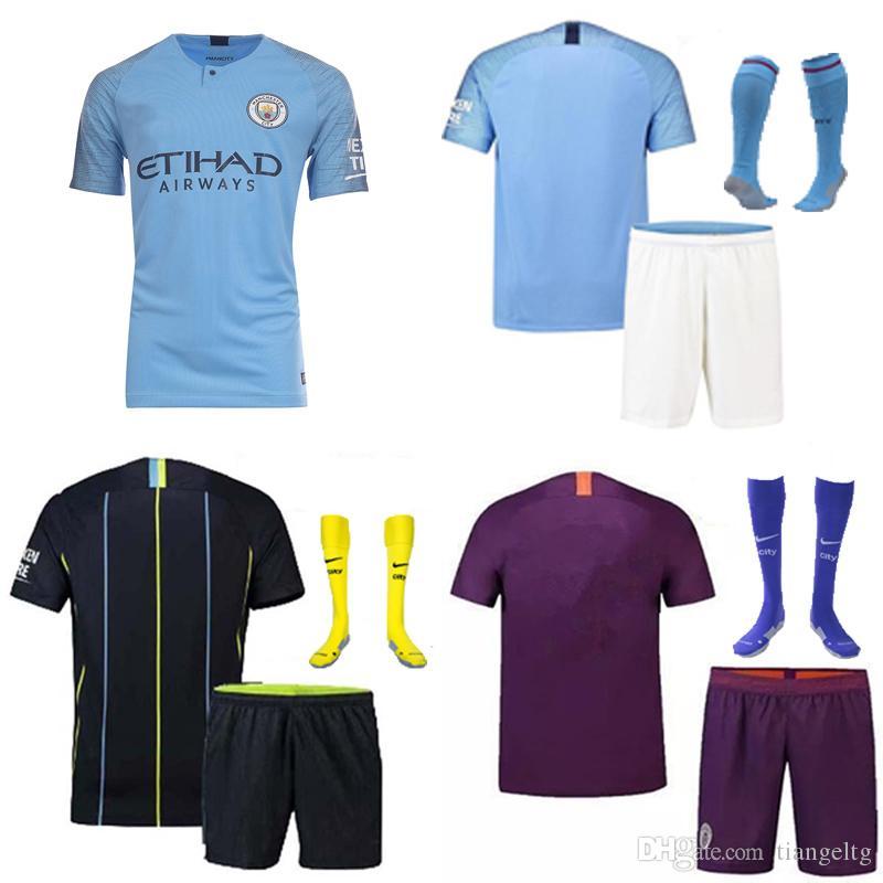 Compre Manchester City Futebol Jersey De Alta Qualidade 7 STERLING 10 KUN.AGUERO  17 DE.BRUYNE 8 GUNDOGAN Crianças Kits Sportwear Camisas De Futebol Uniforme  ... 14a0610e97f02