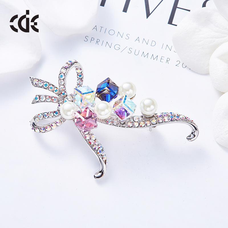 The new model USES swarovski crystal sugar fashion brooch for ladies