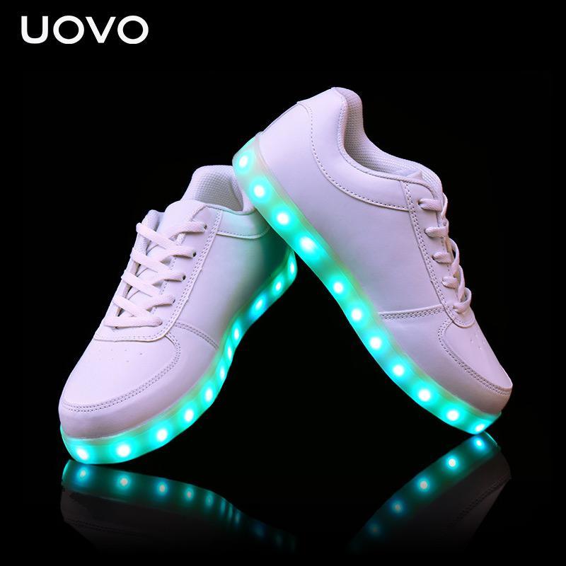 3e1bff607 Compre UOVO Kids Luminous Shoes Cargador USB Zapatos De Luz LED Para Niños Niñas  Zapatillas Con Brillo De Neón Zapatillas De Deporte Casuales Lace Up Eur 31  ...