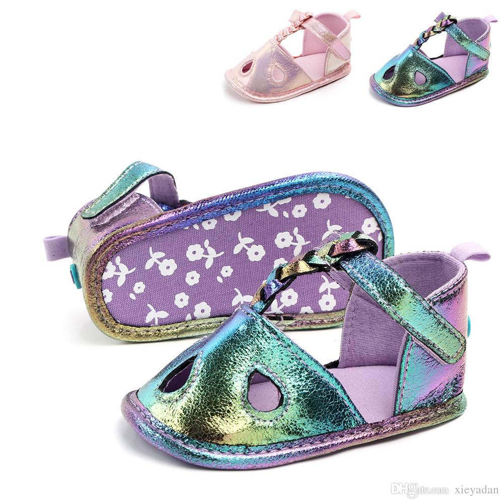 44f15d4155699e Großhandel Neugeborenen Baby Mädchen Krippe Schuhe Casual Weiche Sohle Weiß  Wanderschuhe Für 0 6 Monate Babys Von Xieyadan