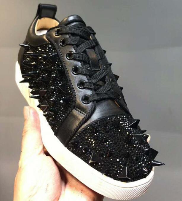 25533bdac37 Compre Tamaño 36 47 Hombres Mujeres Negro Serpiente De Cuero Moda Bajo  Remaches Superiores Zapatos Rojos Ocasionales, Marcas De Lujo Unisex Zapatos  Planos ...