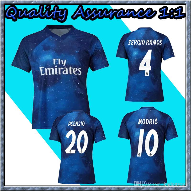 Camiseta De Fútbol 2019 Del Real Madrid Edición Limitada Jersey Azul EA  Sports   12 MARCELO   10 MODRIC Camisetas De Fútbol De La Versión Especial  Del Real ... 344c2c70a1258