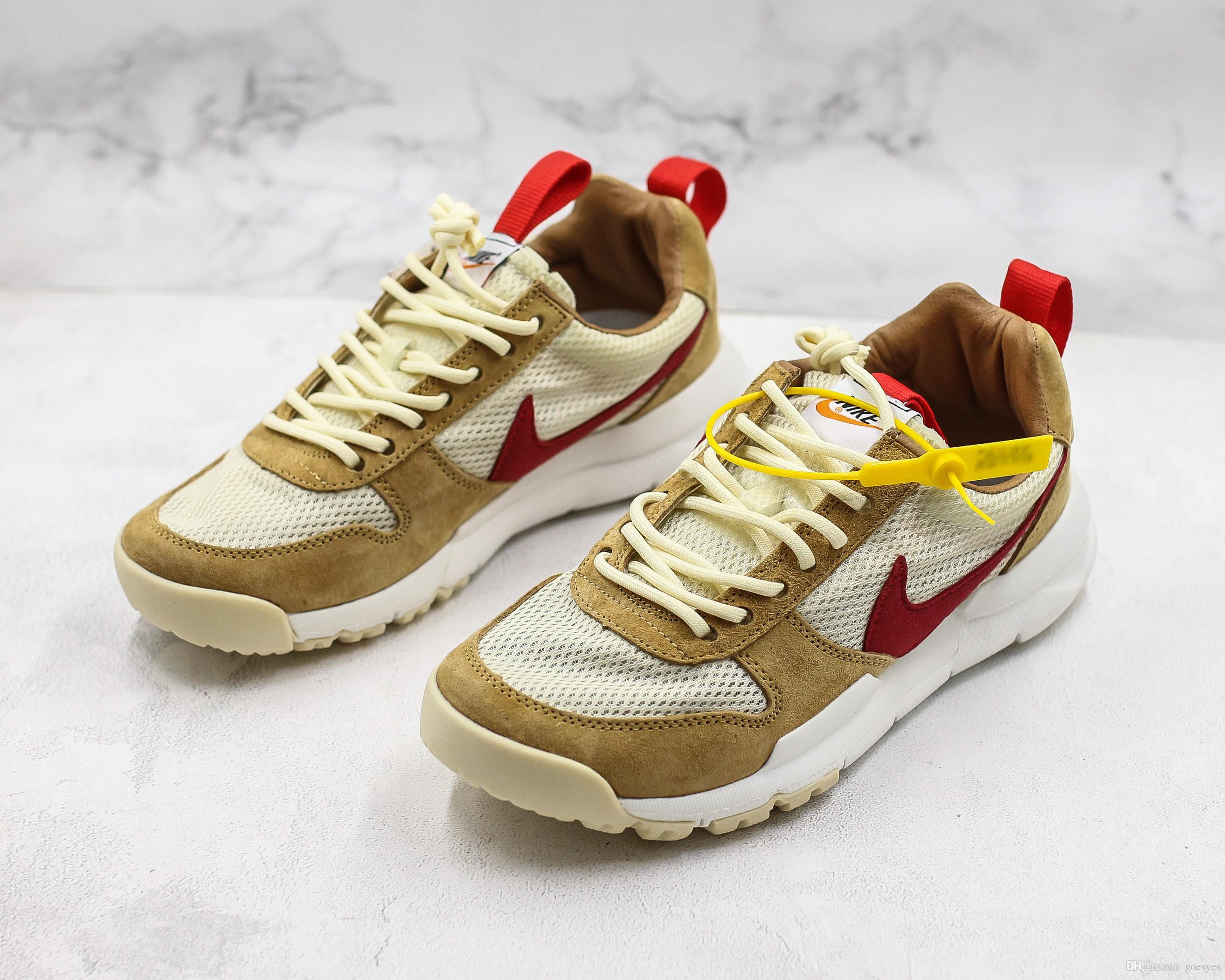 super popular f243f c2b91 2019 Nuovo rilascio Tom Sachs Craft Mars Yard TS NASA 2.0 Scarpe AA2261-100  Natural / Sport Red-Maple Scarpe causali unisex Taglia 5-11