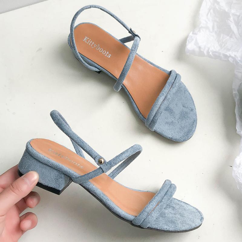 561e6d2436 Chinelos Sandálias Das Mulheres Sapatos de Verão Azul Sapatos de Salto  Quadrado Gladiador Breve Flip Sandálias Das Mulheres Sapatos Mulher Cinta  de Volta