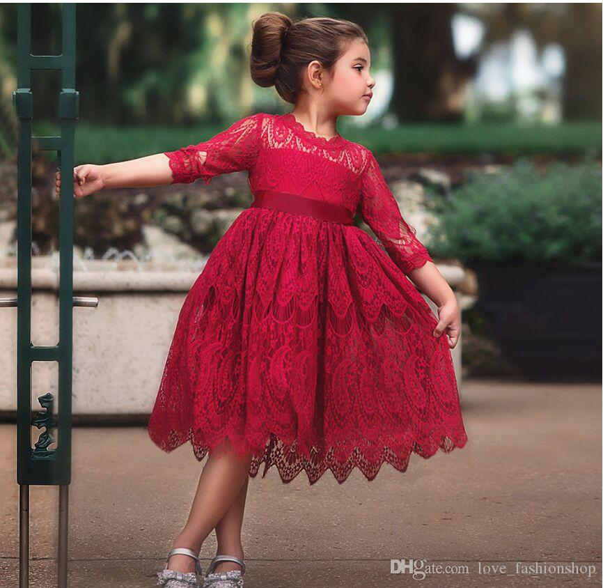 Retail 4 Colors Red Baby Girls Hollow Lace Princess Dress Kids Round Neck Fashion Luxurious bowknot Ribbons Party Dresses Designer Clothes