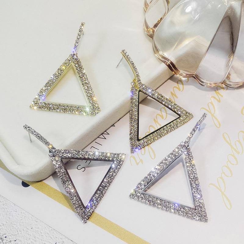 3c374a2be0c4 Compre 2019 Nuevo Diseño De Joyería Creativa De Alto Grado Elegante  Pendientes De Cristal Triángulo Pendientes De Oro Y Plata Del Banquete De  Boda Para ...
