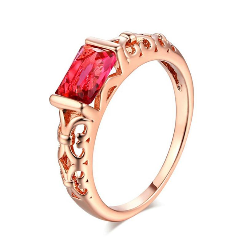Hot selling exquisite new European and American fashion retro hot selling rose gold hollow square ring Party Jewelry