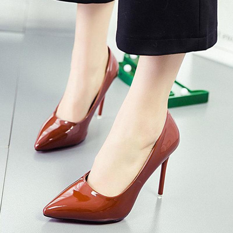 2bfc48823 ... Sapatos Mulheres De Couro De Patente Dedo Apontado Salto Fino Bombas De  Outono Feminino Básico Deslizamento Em Salto Alto Senhoras Carreira  Escritório ...