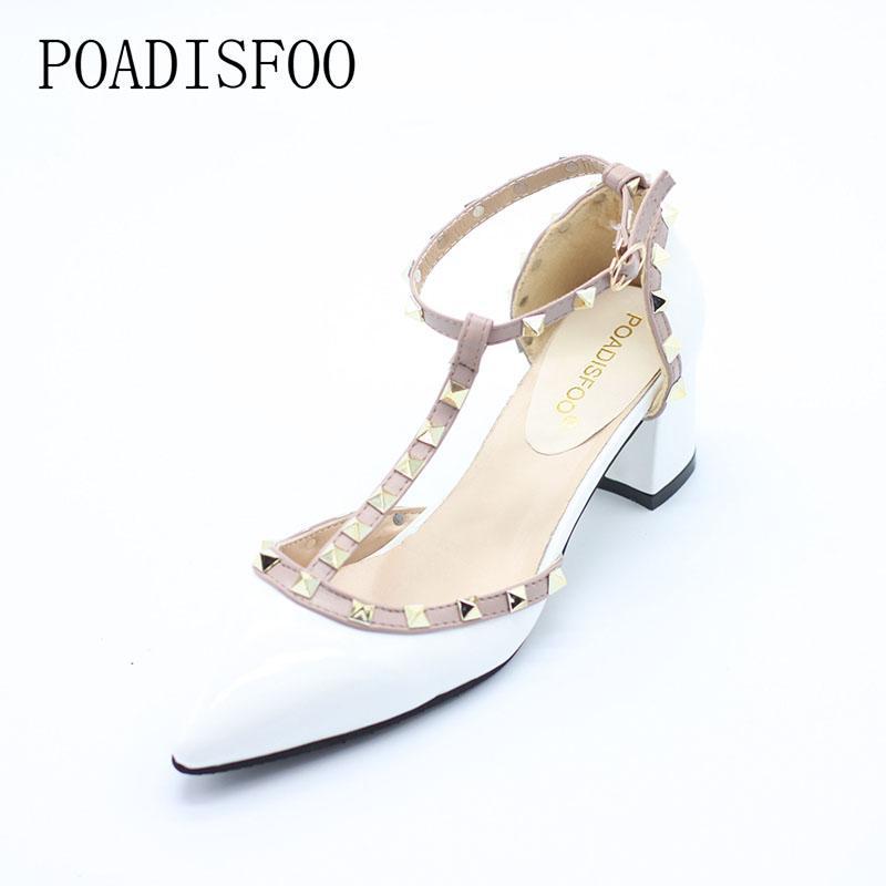 2c607dd96 Compre Designer De Vestido Sapatos 5CM 2019 Bombas New T Fivela De Cinto  Oco Rebites Apontou Salto Alto Couro De Salto Alto Mulheres. XXX 722 De  Shoe333, ...
