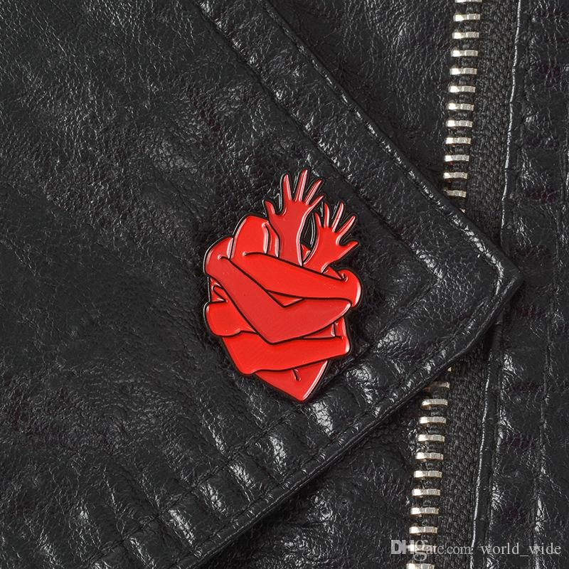 Organ Heart Enamel Pins Badges Bloodthirsty Hug Brooches Dark Red Arms Lapel pin Denim Shirt Collar Punk Fashion Jewelry Gift