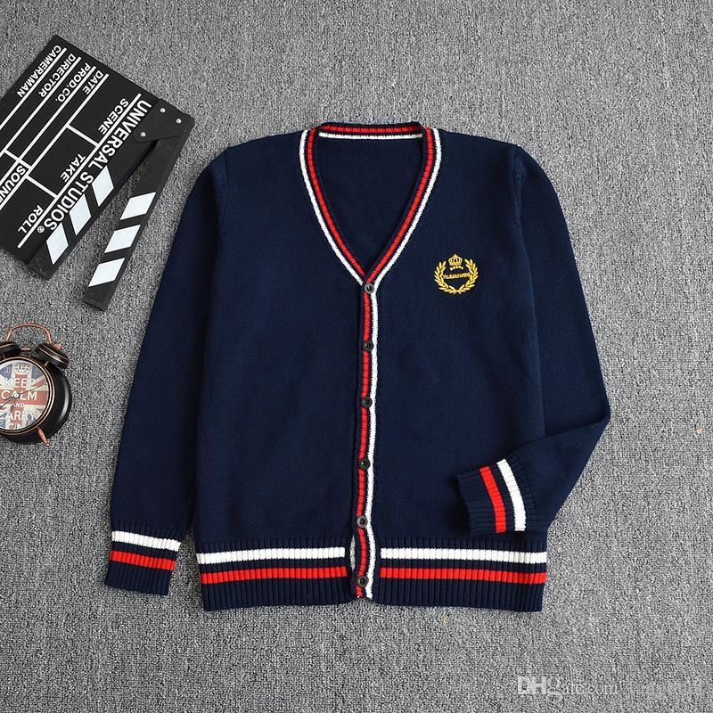 Compre Uniformes Escolares Japoneses Sailor Tejer Suéter Niñas Estudiante  Bordado De La Corona Británica Con Cuello En V Manga Larga Cardigan Tops  Niños A ... 8c2cd381bf2c8