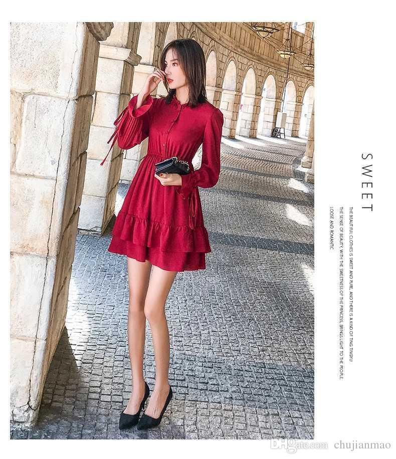 88cd08dc5cf99 Compre 2019 Primavera Nueva Mujer Vestido Rojo Moda Coreana Cuello Redondo  Falda Plisada Color Sólido Botón Poliéster A  45.23 Del Chujianmao