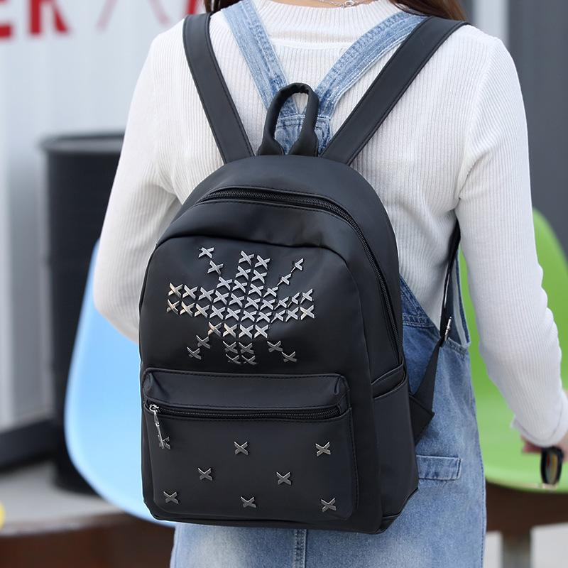 2019 Fashion Ladies Backpack Female Rivet Bag Female Backpack Student Bag Women Shopping