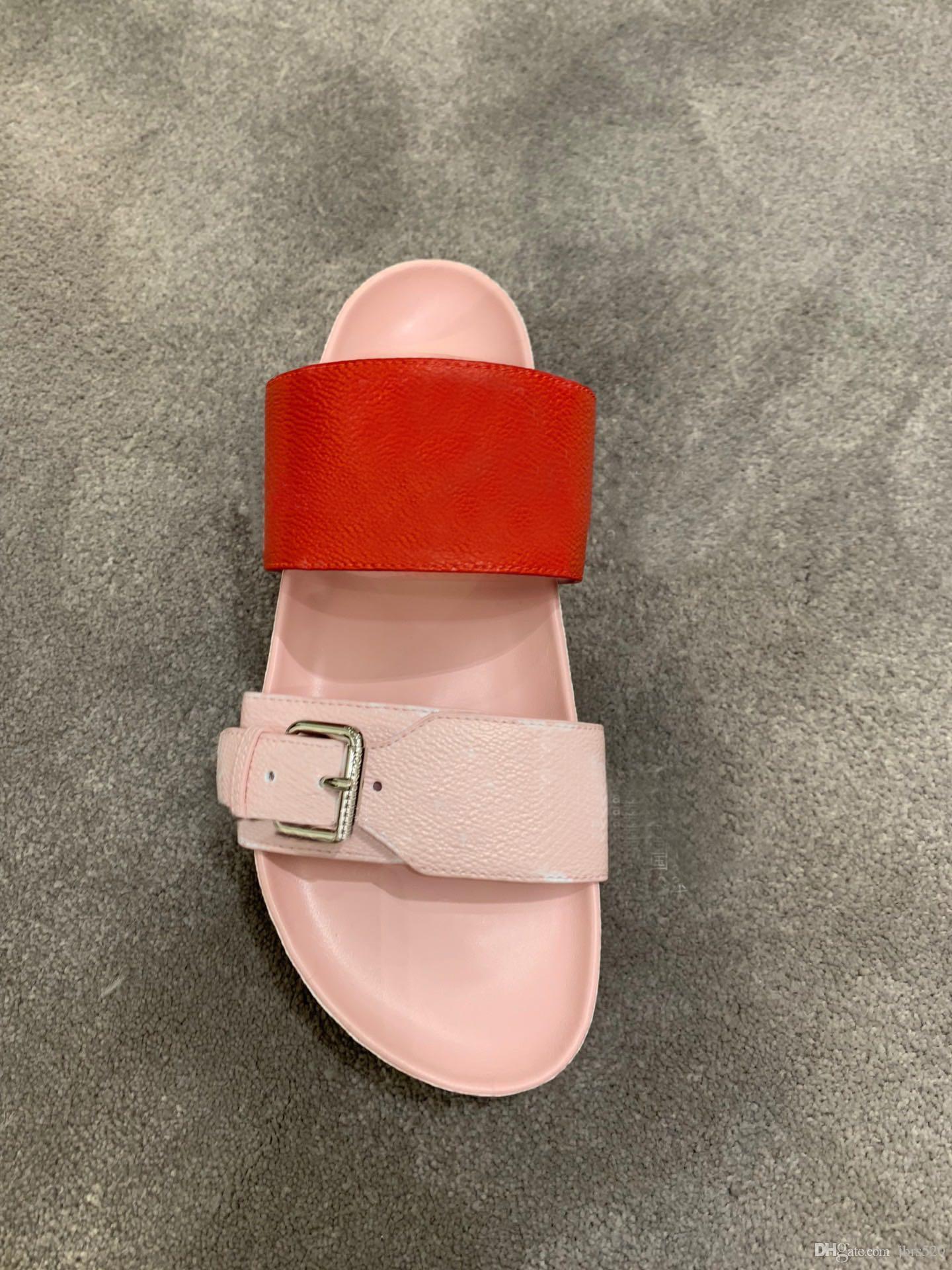 zapatillas clásicas de verano de playa mujer de lujo de dibujos animados principal grande zapatillas de cuero diseñador de la mujer correa plana de las sandalias de la hebilla de los hombres zapatillas de baño del hotel