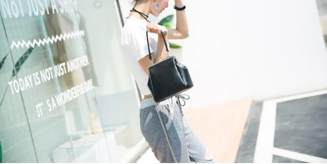 Fashion women's mini handbag clip vintage women's small handbag cute casual shoulder messenger bag suan98r