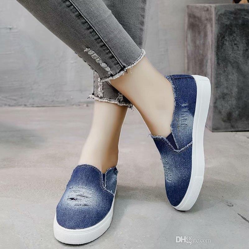 647d478d00 Compre EOEODOIT 2019 Zapatos De Lona Para Mujer Tacón Plano Punta Redonda  Slip On Jeans Pisos Zapatillas De Deporte Casuales Femeninas Más El Tamaño  35 43 ...