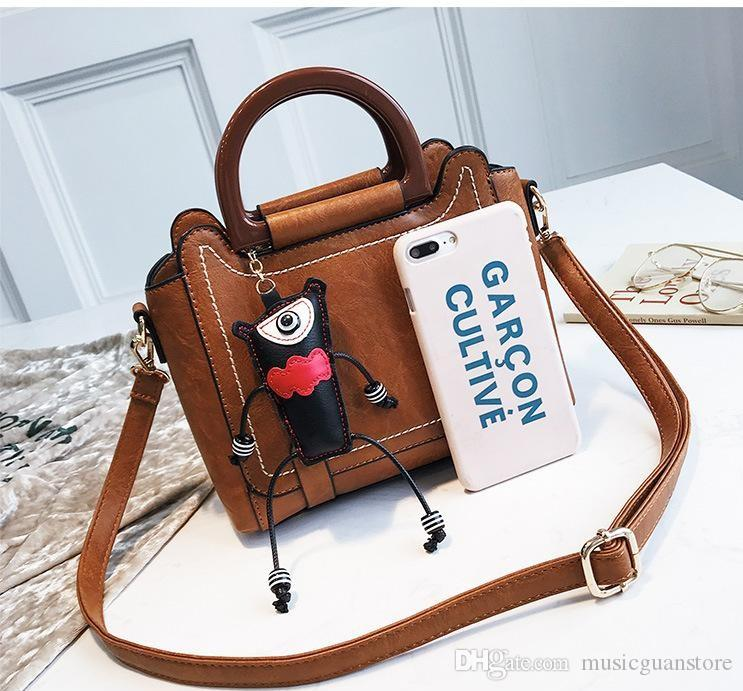 2019 Simple Design Women Crossbody Bag Japan And Korean Style Hot Sell Shoulder  Bag For Party Ladies Handbags Leather Handbags From Musicguanstore 2022fc20b62eb