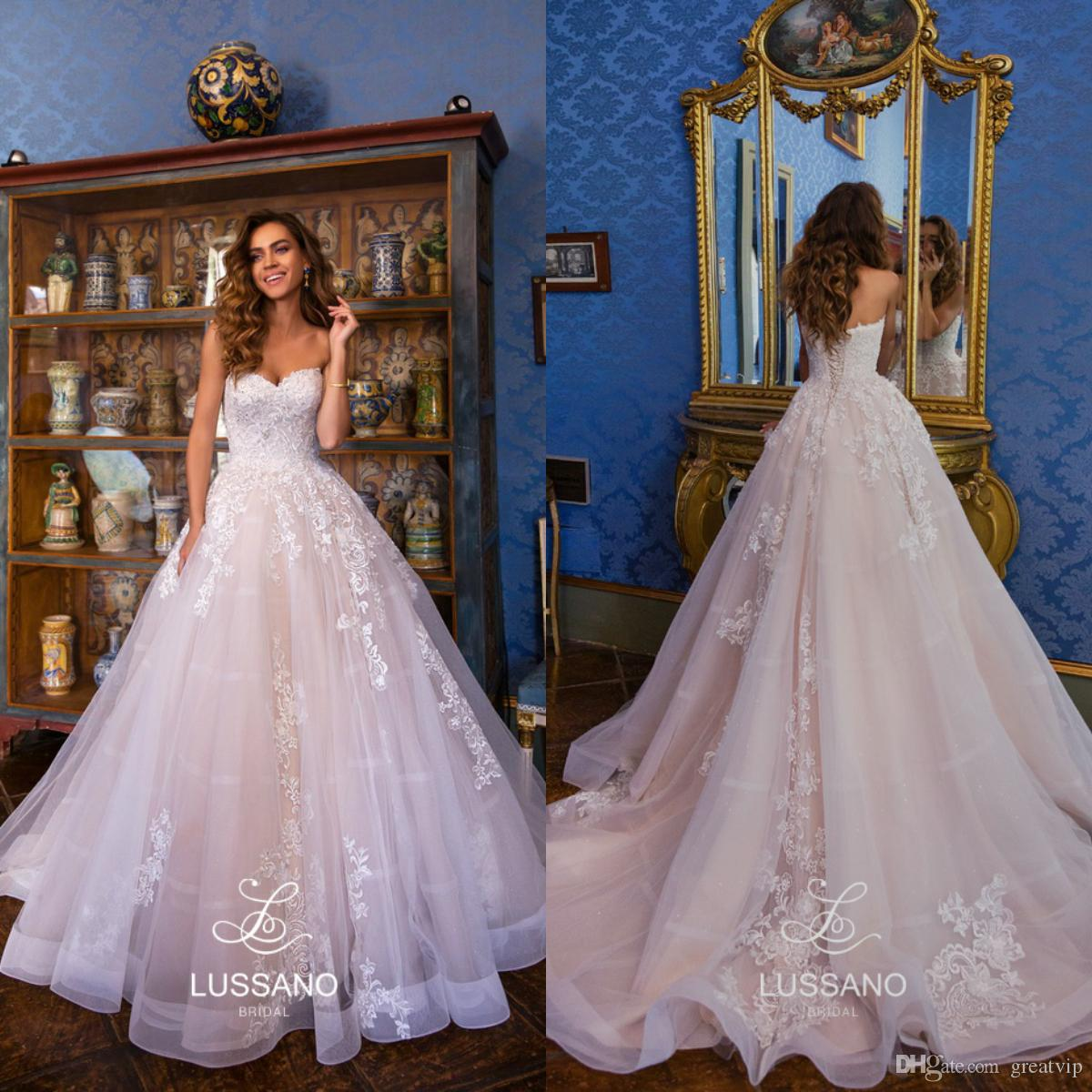 Lussano 2019 A Line Beach Wedding Dresses Sweetheart Lace Up Applique Boho  Sweep Train Bridal Gowns Plus Size Bohemian Vestidos De Noiva Bohemian  Wedding ... f61e512e8fac