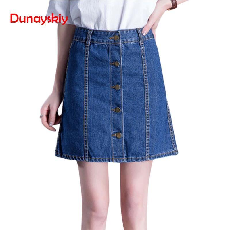 4c1065408 Falda de mezclilla de cintura alta una línea de mini faldas de las mujeres  2019 primavera verano botón azul Jean estilo falda Jeans faldas venta ...