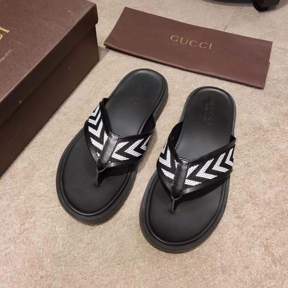 d7c49ba23eb3 Summer Recommended Men S Flip Flops Classic Black And White Style Exquisite  Workmanship Flip Flops For Men Fur Boots Glass Slipper From Iwalkers
