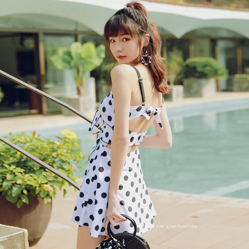 New Korean version of the one-piece swimsuit fashion wave point sexy leaking back thin split skirt style boxer Bikini two-piece swimsuit