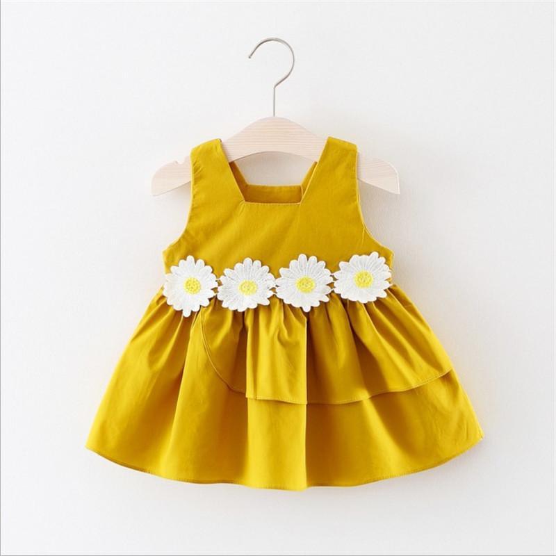 5a01506e2 Compre Calidad Vestido Para Niñas Nueva Marca De Verano Ropa Para Niñas  Patrón De Flores Rojo Y Amarillo Diseño Vestido Para Niñas De 0 2 Años 2019  A  24.69 ...