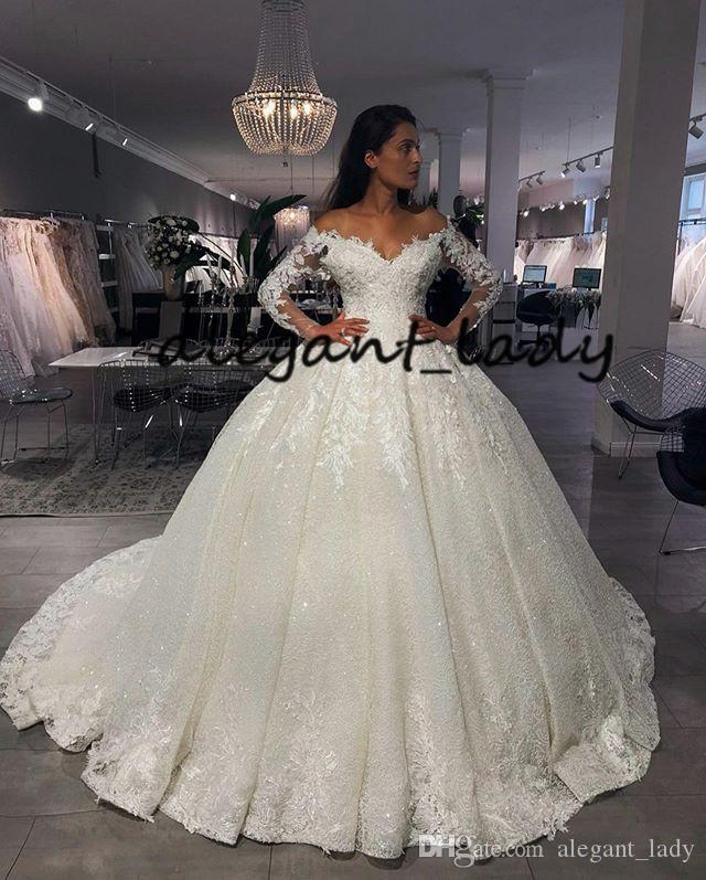 Vintage Off Shoulder Wedding Dresses 2019 Long Sleeve V Neck Applique puffy princess luxury Drapted Castle Long Bridal Gown