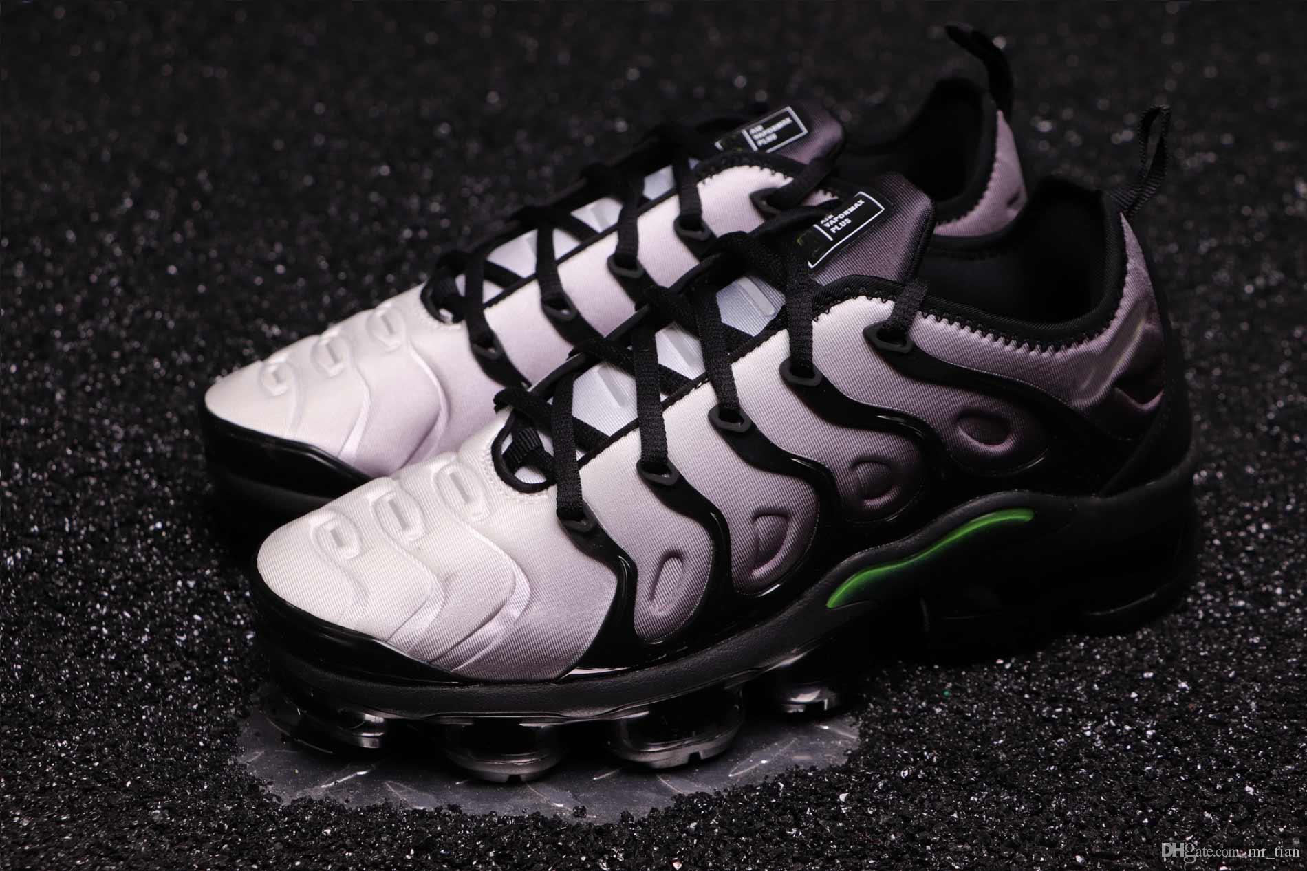 c80a4aa374b42 Scarpe Da Calcetto Nike W Air VaporMax Plus 2019 Cuscino Misto TN Di Alta  Qualità Le Scarpe Da Corsa Da Uomo E Da Donna Più Colorate
