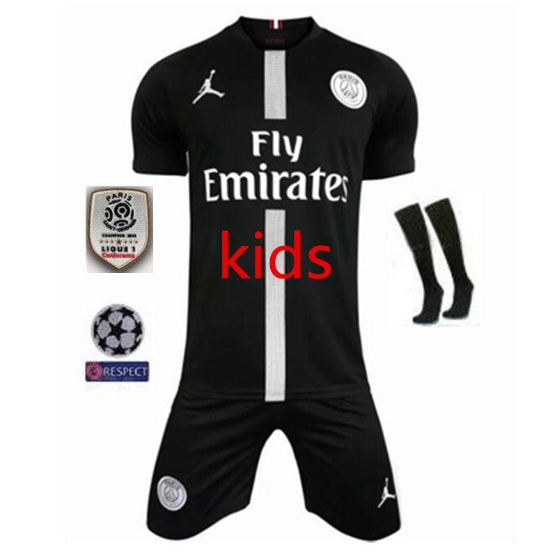 f363f4a6f8 Compre 18 19 PSG Kids Champions League Jogo Preto Branco Camisas De Futebol  2019 Thail Quanlity Paris Mbappé NEYMAR JR Saint Germain Meninos Camisa De  ...