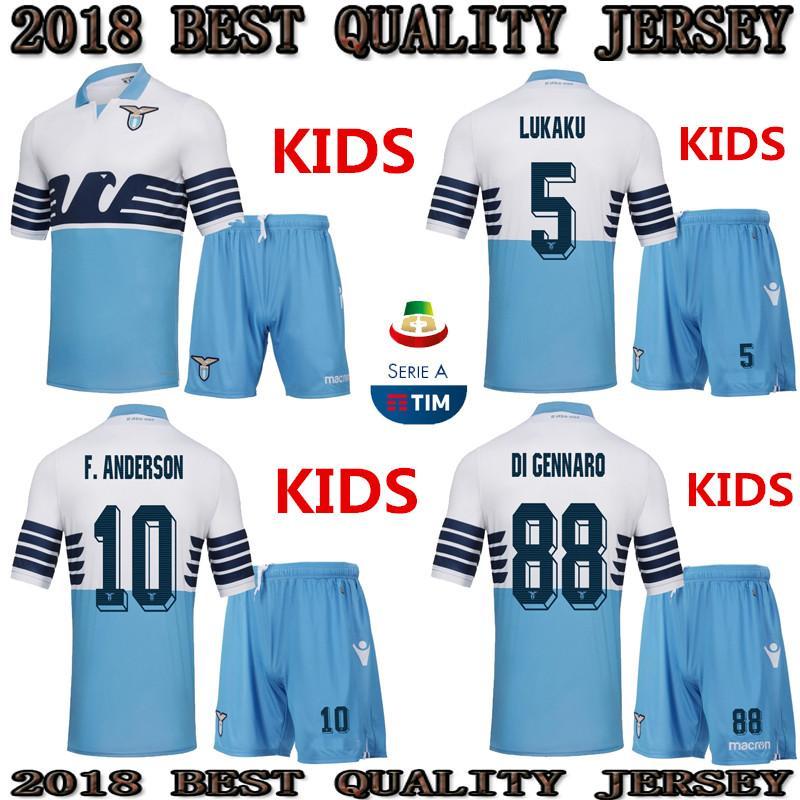 Compre TOP 2018 2019 LAZIO Crianças Kit De Futebol Jersey 18 19 LUIS  ALBERTO WALLACE BASTOS LÚMICO IMÓVEL MENINO Conjunto Uniforme De Futebol  Crianças Kit ... 17e7905df3030