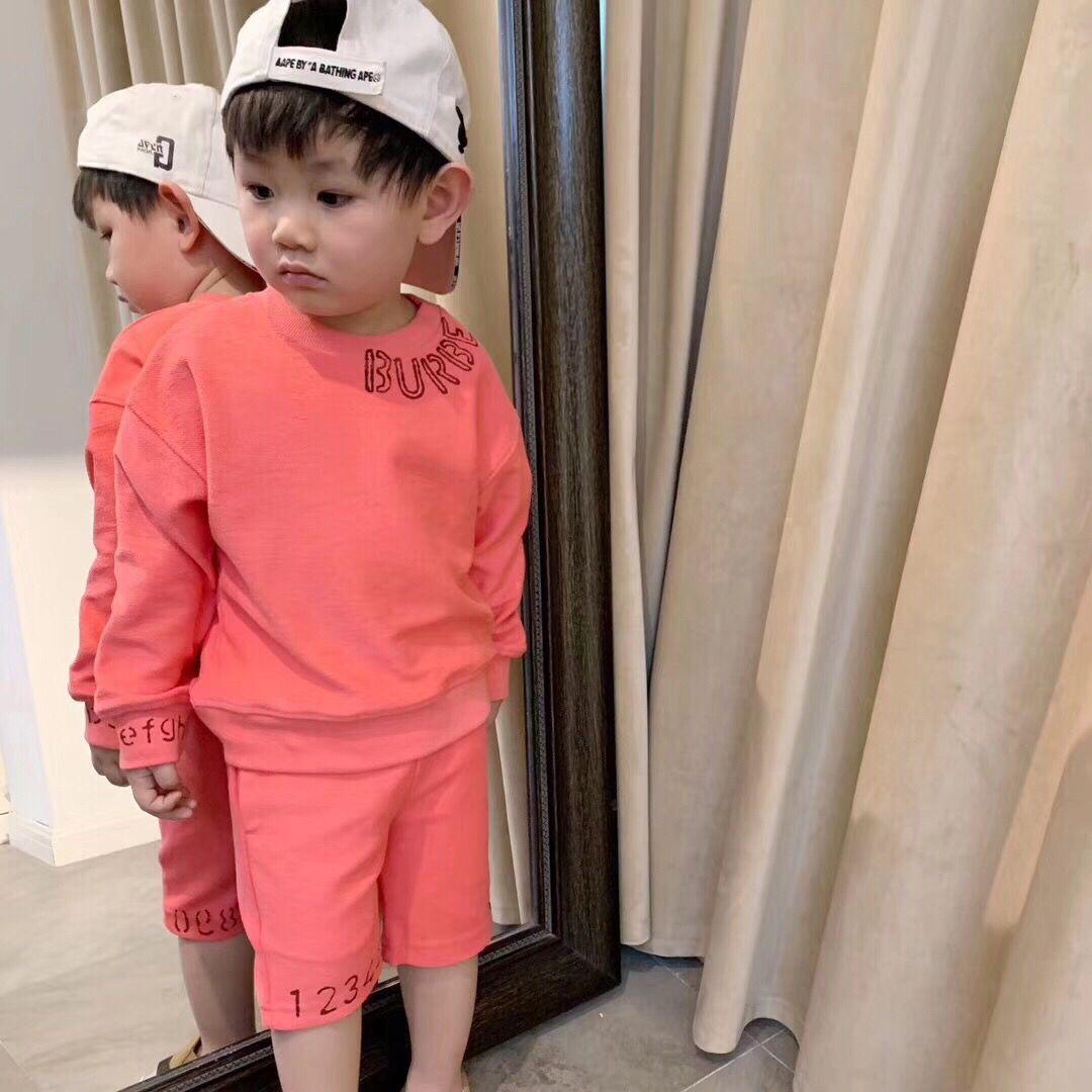 2019 Baby Jungen Mädchen Sets Sommer Kinder Sets Kleidung T Shirt + kurze Hosen Baumwolle Sport Brief gedruckt Set Kinder Anzug
