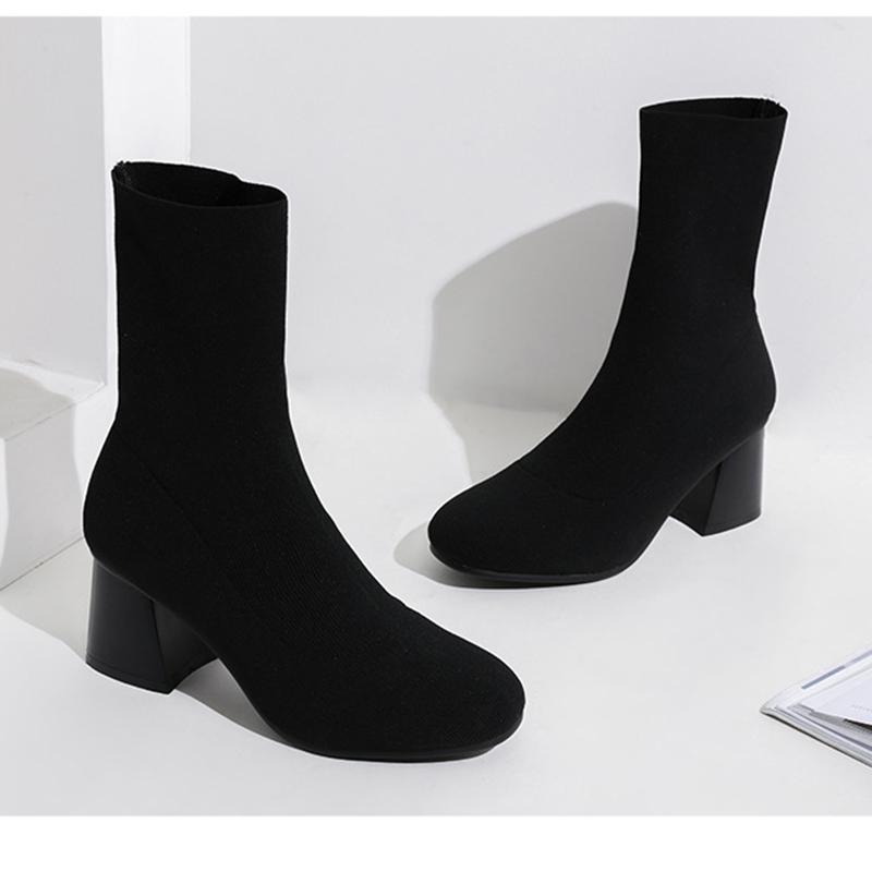 09d261b24 Compre Feminino Mid Botas Confortável Rodada Cabeça Macia Sola Meias Zapato  Mujer Moda Inverno Novo Fluff De Lã Botas Elásticas Bloco De Sapato De Salto  ...