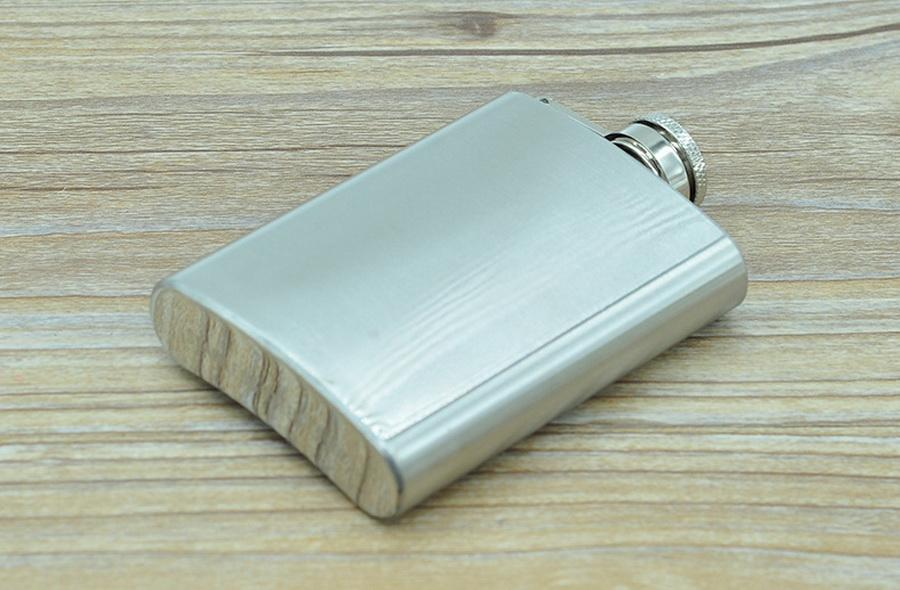 by dhl 100pcs Hip Flask 3.5oz Stainless Steel Portable Liquor Wine Hip Flask Whisky Alcohol Cap Funnel Drinkware