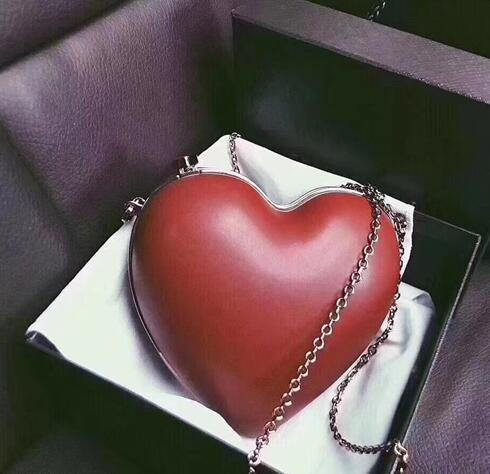 2018 New European And American Trend Pvc Single Shoulder Heart-shaped Lovely Wind Bag Ladies