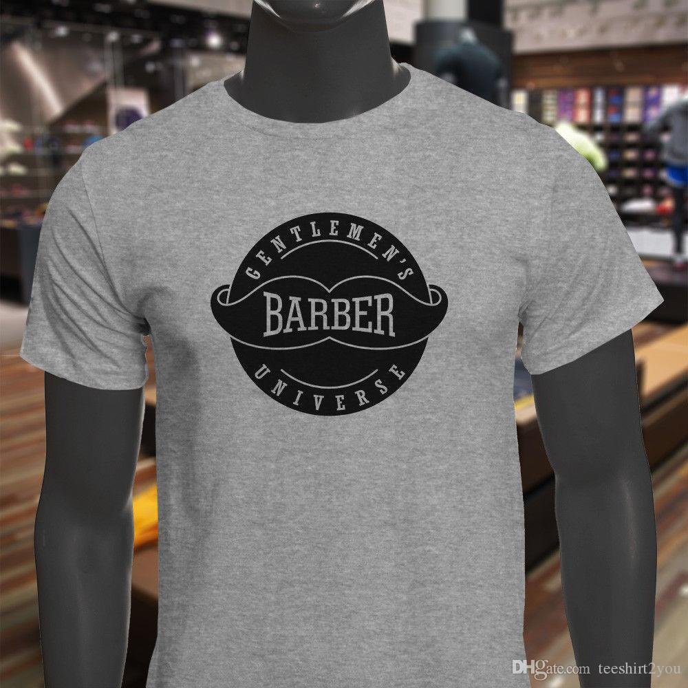 Compre Barber Gentlemen s Universe Black Shop Corte De Cabello Para Hombre  Camiseta Gris Hombres Camiseta Serigrafía Manga Corta Moda Custom 3XL Party  Tshir ... 59cabf6f1b0