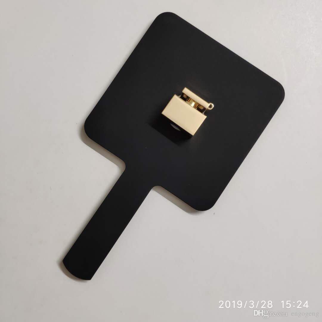Vendita calda 2019 Nuovo modello classico C mini Specchio il trucco Strumenti cosmetici a specchio di alta qualità con scatola regalo Regalo di nozze Anita Liao