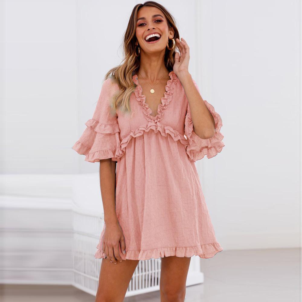 954a85ff879 Satın Al Dantel Elbise Mini Elbise A Line Kısa Kollu Katı Bohemian Ruffles  İmparatorluğu V Yaka Kadın Giysileri 2019 Vestido Playa
