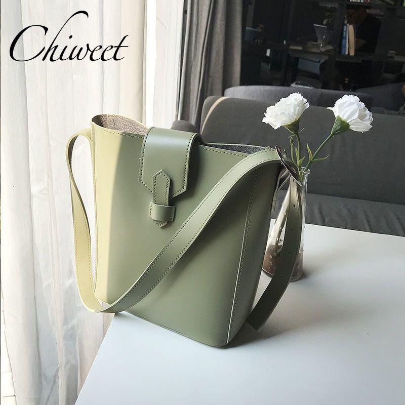 c0497a813 Compre 2019 Moda Chic Balde De Luxo Mulheres Bolsa De Ombro Ocasional Tote  Bolsas De Grife De Marca Feminina Simples Messenger Bag Grande 2 Conjunto  ...