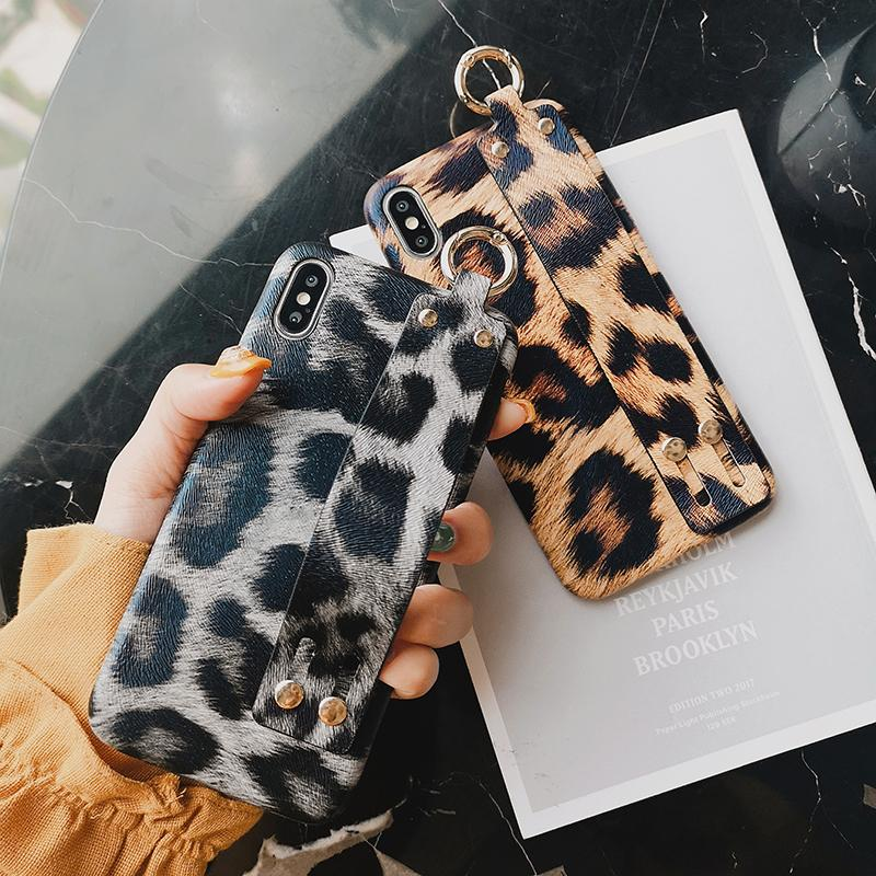 Designer Phone Cases Fashion leopard print PC Phone Case with wrist strap Luxury phone cover back For iPhone x xr