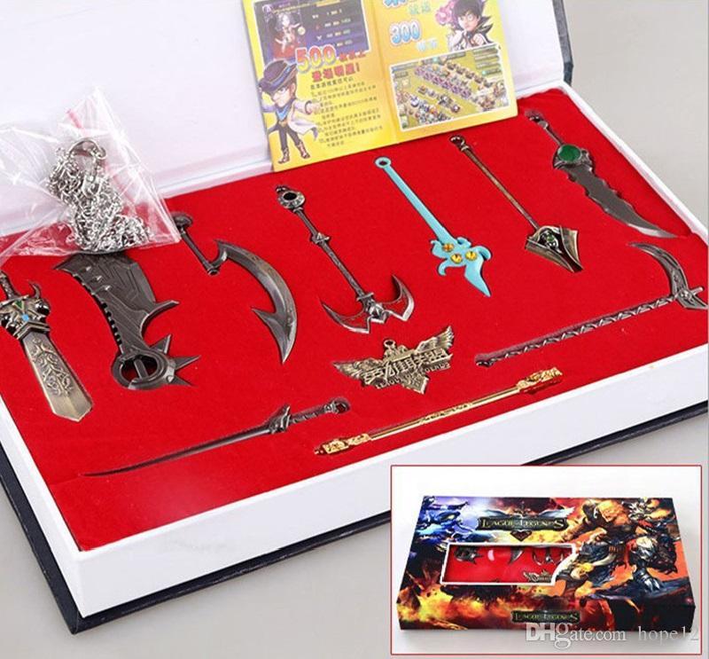 League of Legends LOL 11 koleksiyoner Edition Kutulu LOL Karakterler silahlar anahtarlık kolye Araba Anahtarı Çanta için Sıcak Satış Çevrimiçi