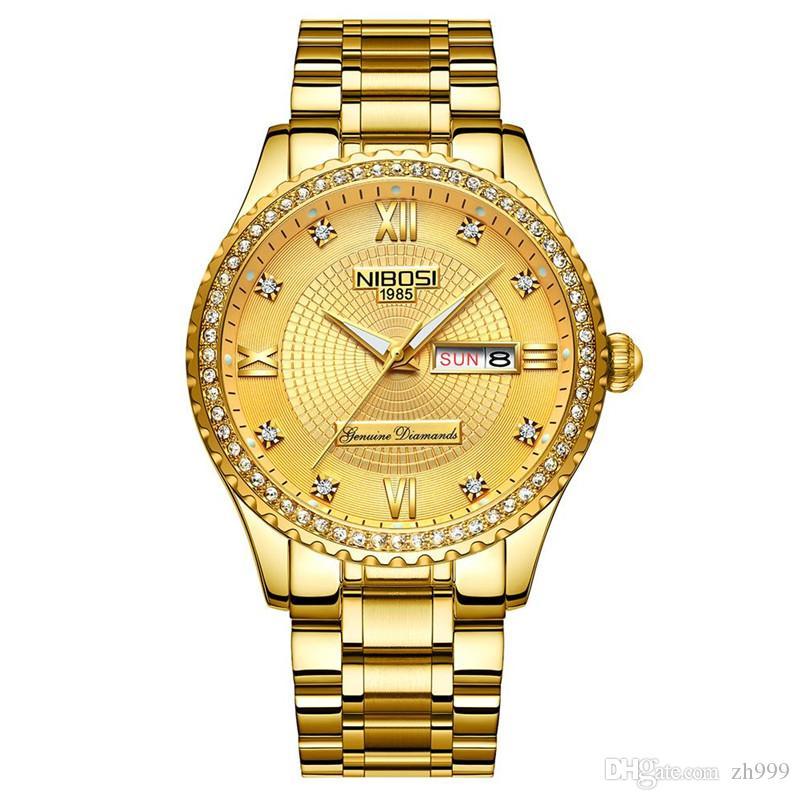 dcda8e686b2 Compre Nibosi Diamante Relógio De Ouro Calendário Duplo 3 Pinos Relógio De  Aço Inoxidável Cinto Masculino 30 Metros Relógio De Ouro Luminoso Completo  ...
