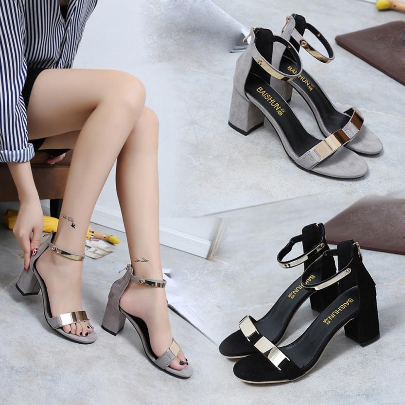 Compre Zapatos De Vestir De Diseñador Mujer Bombas Plataformas 2019 Sexy Tacones  Altos Señoras Bombas Mujeres Sandalias De Tacón Alto Chaussures Femme ... dadfee3f26c2